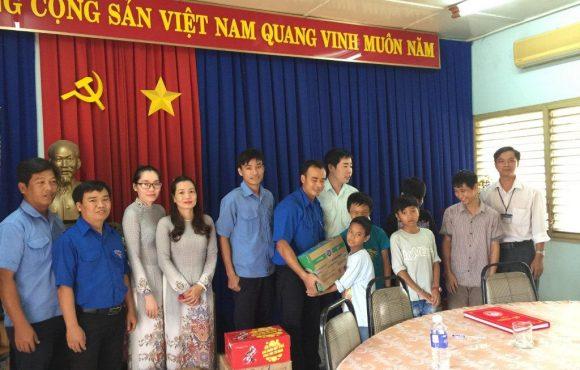 """Chương trình Xã Hội Từ Thiện""""Xuân Đinh Dậu năm 2017″ Đoàn thanh niên công ty Vingal"""